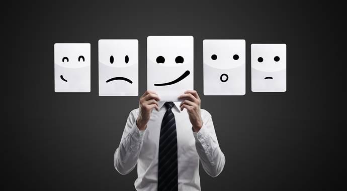 Làm chủ cảm xúc bản thân trong giao tiếp